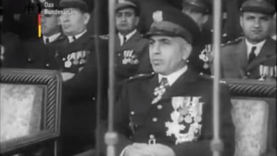 صورة عرض عسكري بحضور الرئيس أديب الشيشكلي