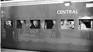 وزير الخارجية صلاح الدين البيطار داخل مقطورة قطار في الهند 1957