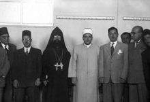 صورة مصطفى السباعي أثناء الإنتخابات النيابية عام 1954