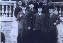 صورة زعماء الكتلة الوطنية عند ابواب فندق بارون في حلب سنة 1932