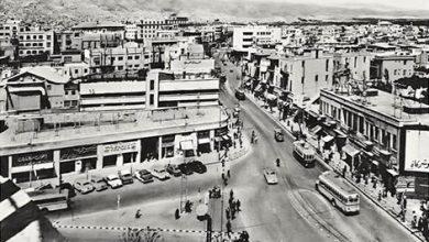 شارع فؤاد الأول من جسر فكتوريا باتجاه بوابة الصالحية أواخر الخمسينات