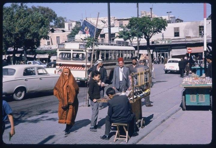 دمشق: شارع النصر و سوق الخجا القديم المتاخم لقلعة دمشق