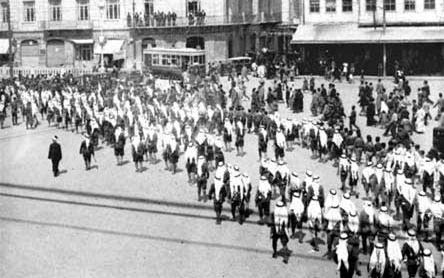 عودةسلطان الاطرشالى دمشق عام 1937
