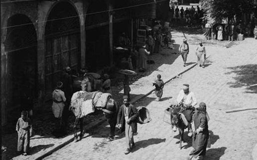 دمشق 1911- شارع الملك فيصل و سوق المحايرية
