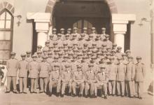 صورة حفل تخرج دفعة ضباط الكلية الحربية عام 1954 – دورة إحسان كم الماظ