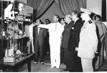 صورة الرئيس شكري القوتلي يفتتح معرض دمشق الدولي الثاني عام 1956