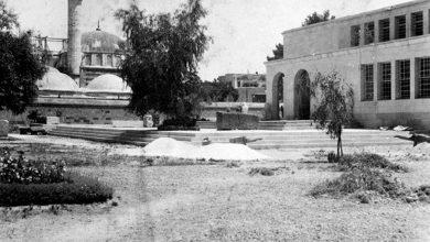 التكية السليمانية بمئذنة واحدة.. أثناء الترميم وإعاده بناء المئذنة الشرقية..  1939