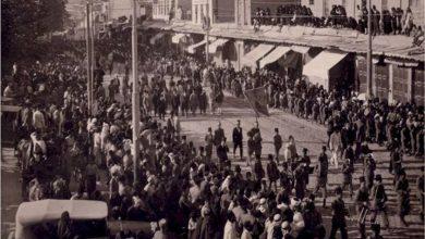 دمشق 1929 - جنازة المرحوم فوزي الغزي تعبر جادة السنجقدار