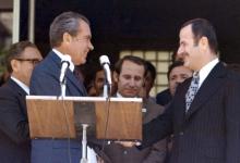 صورة حافظ الأسد والرئيس الأميركي نيكسون