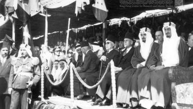 الأمير فيصل في دمشق يشارك في احتفال جلاء الفرنسيين عن سورية