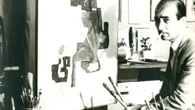 محمود حماد في مرسمه بدمشق في أواخر الستينيات