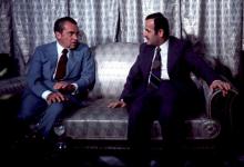 صورة ريتشارد نيكسون وحافظ الأسد عام 1974