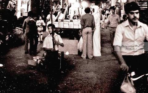دمشق 1980- بعض الباعة في منتصف سوق الخجا