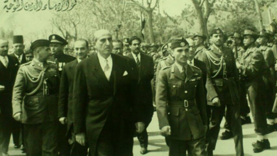 صورة الملك الأردني حسين بن طلال في زيارة إلى دمشق عام 1956