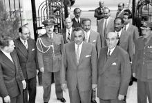صورة دمشق 1958- شكري القوتلي يستقبل جمال  عبد الناصر عند باب قصر الضيافة بعيد إعلان الوحدة (1)