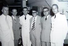 صورة اللاذقية 1958- مدير الصحة وأمر القوى البحرية على متن قطعة بحرية