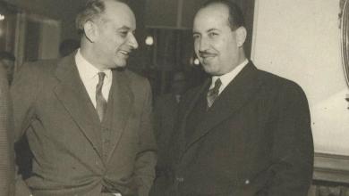 صورة علي بوظو مع وزير من الحكومة التركية عام 1954