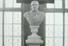 تمثال الرئيس شكري القوتلي في القاهرة