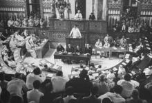 شكري القوتلي يلقي خطاب أمام البرلمان السوري عام 1943