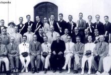 صورة رضا سعيد مع خريجي جامعة دمشق 1930
