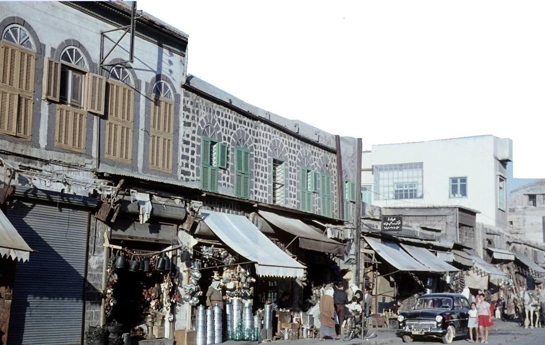 حمص - جانب من محلات شارع الحميدية الرئيسي ..