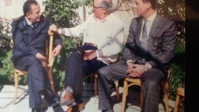 صورة دمشق 1985- كابتن فريق كرة اليد احسان صوان وفؤاد حبش و العميد فاروق بوظو