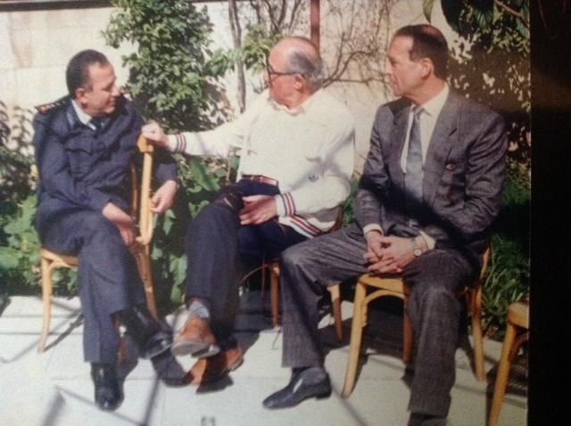 دمشق 1985- كابتن فريق كرة اليد احسان صوان وفؤاد حبش و العميد فاروق بوظو