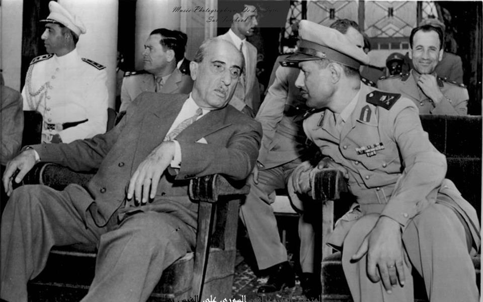 حمص 1957 - شكري القوتلي في احتفال تخريج دفعة من ضباط الكلية العسكرية