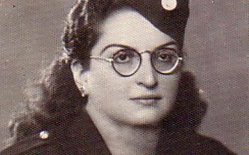 صورة قمر قزعون شورى .. رئيسة فرع دمشق للهلال الأحمر في الستينيات