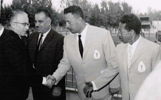 دمشق 1962-  ناظم القدسي في افتتاح الملتقى الدولى لألعاب القوى لدول العراق والاردن وسورية