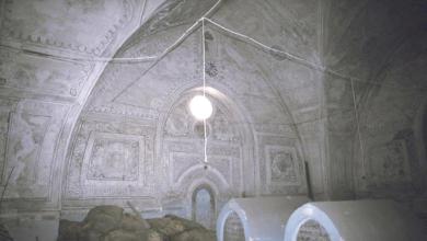 دمشق 1992 - غرفة أضرحة المدرسة الشامية قبل الترميم (15)