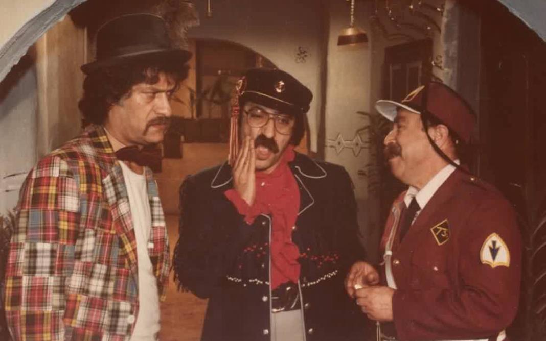 محمد طرقجي مع دريد لحام وناجي جبر في أحد مشاهدمسلسل وادي المسك