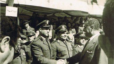 العميد موفق عصاصة مع الرئيس جمال عبد الناصر عام 1960