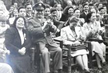 صورة حسني الزعيم وسامية المدرس عام 1949