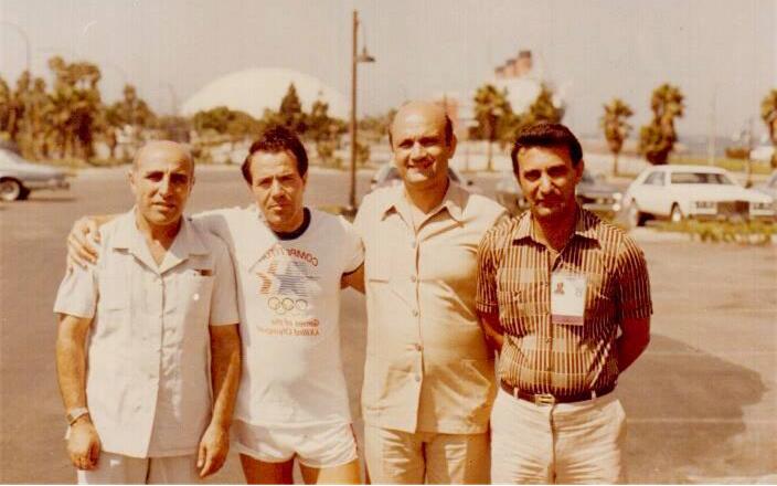 عدنان بوظو مع أعضاء من الوفد السوري لاولمبياد لوس انجلس عام 1984
