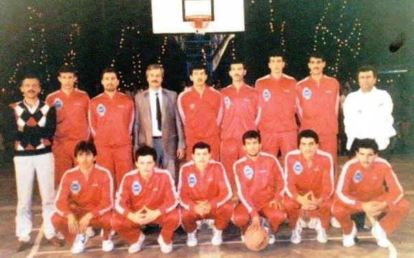 المنتخب السوري لكرة السلة في الهند عام 1990