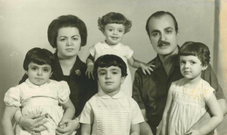 الفنان عبد اللطيف فتحي مع عائلته