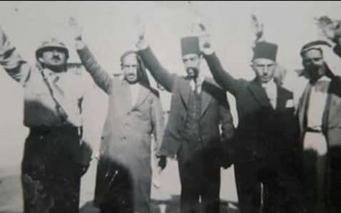 الرقة 1936 - قائد القمصان الحديدية ونجيب الريس وثلة من آل العجيلي