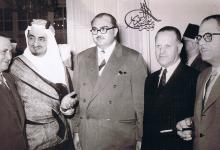 صورة سعيد الغزي وفيصل بن عبد العزيز في الخمسينيات