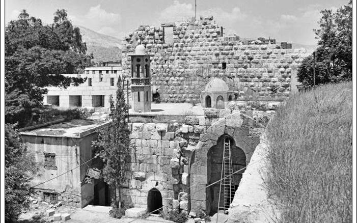 دمشق 1985 - مسجد وقبر الصحابي (أبو الدرداء)