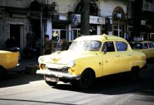 اللاذقية 1993- احدى سيارات السرفيس قبل مفرق شارع القوتلي في الشيخضاهر