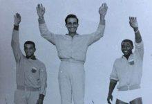 صورة تتويج فريد حنا بالميدالية الذهبية في الدورة العربية عام 1961