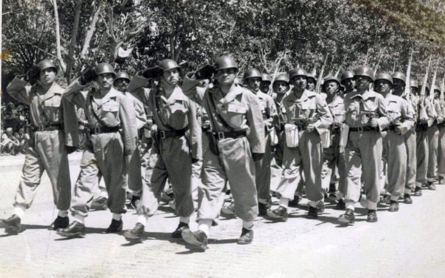 دمشق 1955 - استعراض عسكري بمناسبة عيد الجلاء