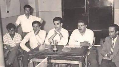 عبد السلام العجيلي في مدرسة الرشيد بالرقة خلال مباراة بكرة الطاولة عام 1960