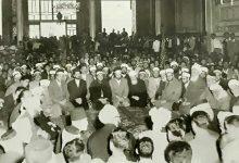 صورة المسجد الأموي بدمشق 1956 – اجتماعُ كبار علماء بلاد الشام لنصرة الشعب الجزائري