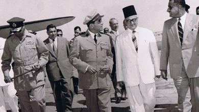 صورة القاهرة 1954- جمال عبد الناصر يستقبل سعيد الغزي (2)