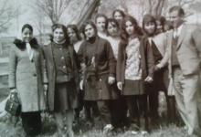 توفيق حمزة.. رائد الحركة الكشفية في السويداء في رحلة مدرسية عام 1969