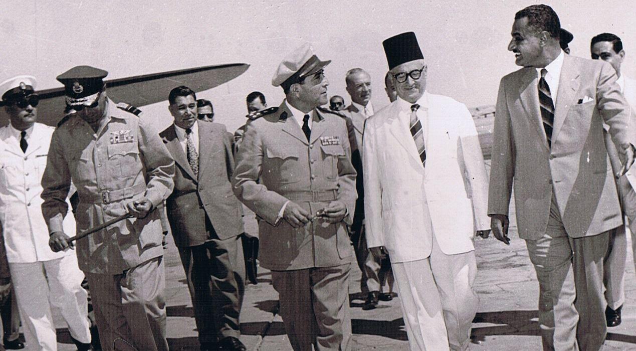 القاهرة 1954- جمال عبد الناصر يستقبل سعيد الغزي (2)