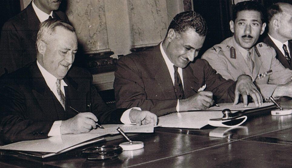القاهرة 1954 - سعيد الغزي وجمال عبد الناصر