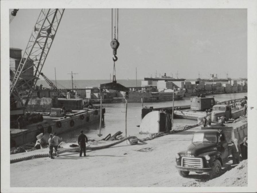 اللاذقية 1954- 1958- المرفأ أثناء التوسعة